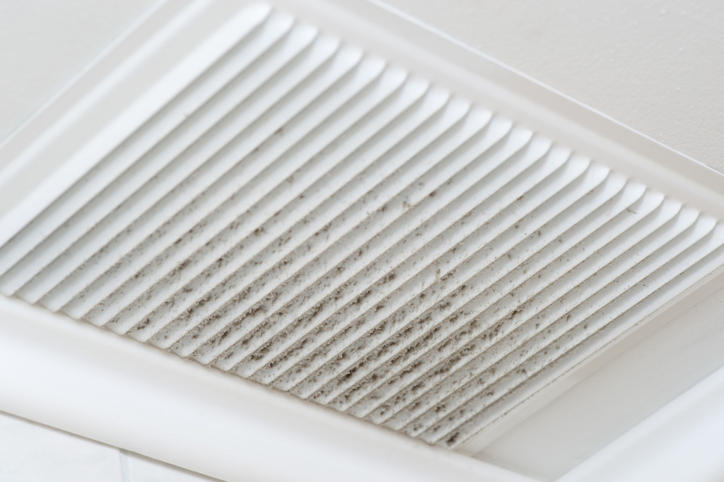 How to Clean Air Ducts in Your Home